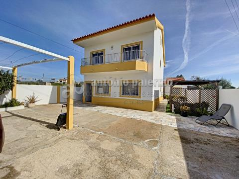 Versatile Villa completely remodeled for sale in Altura