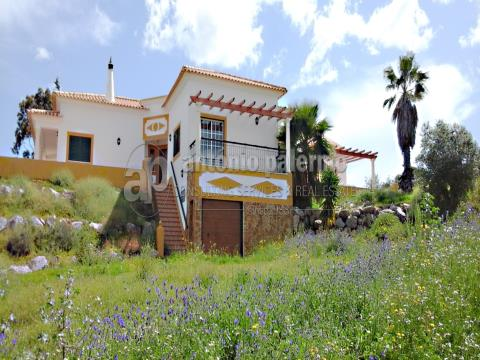 Quinta com 7,6 hectares e moradia V3 para venda