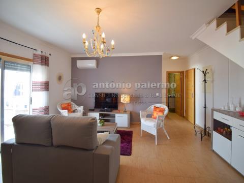 Apartamento duplex com dois quartos  para venda