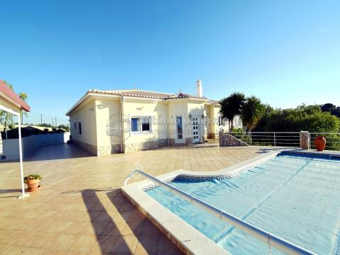 Villa with pool in fenced property