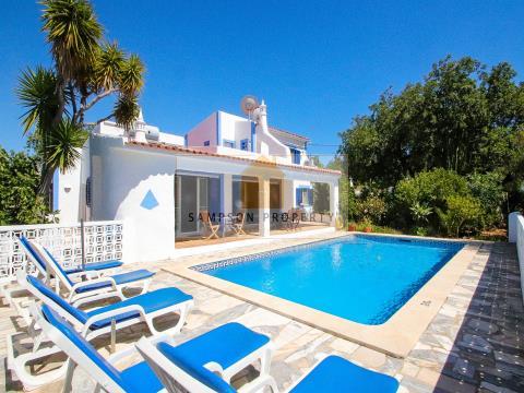 Villa 4 bed for sale in Carvoeiro