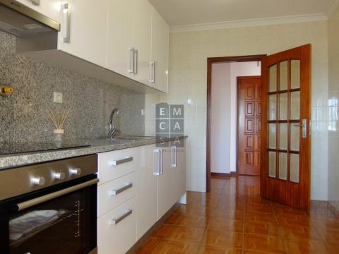 Apartamento T2+1 Renovado - Rio Meão - Investimento