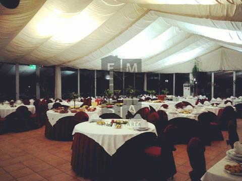 Quinta para Eventos com restaurante de serviço diário