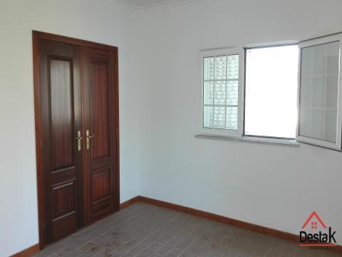 Moradia com 5 quartos, excelente localização