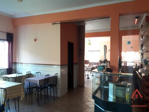 Restaurante para arrendamento a 5 minutos do centro da Cidade