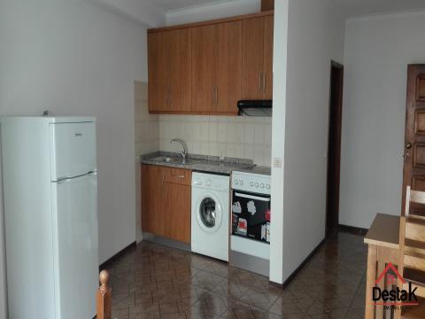 Apartamento T0 localizado no centro de Vouzela