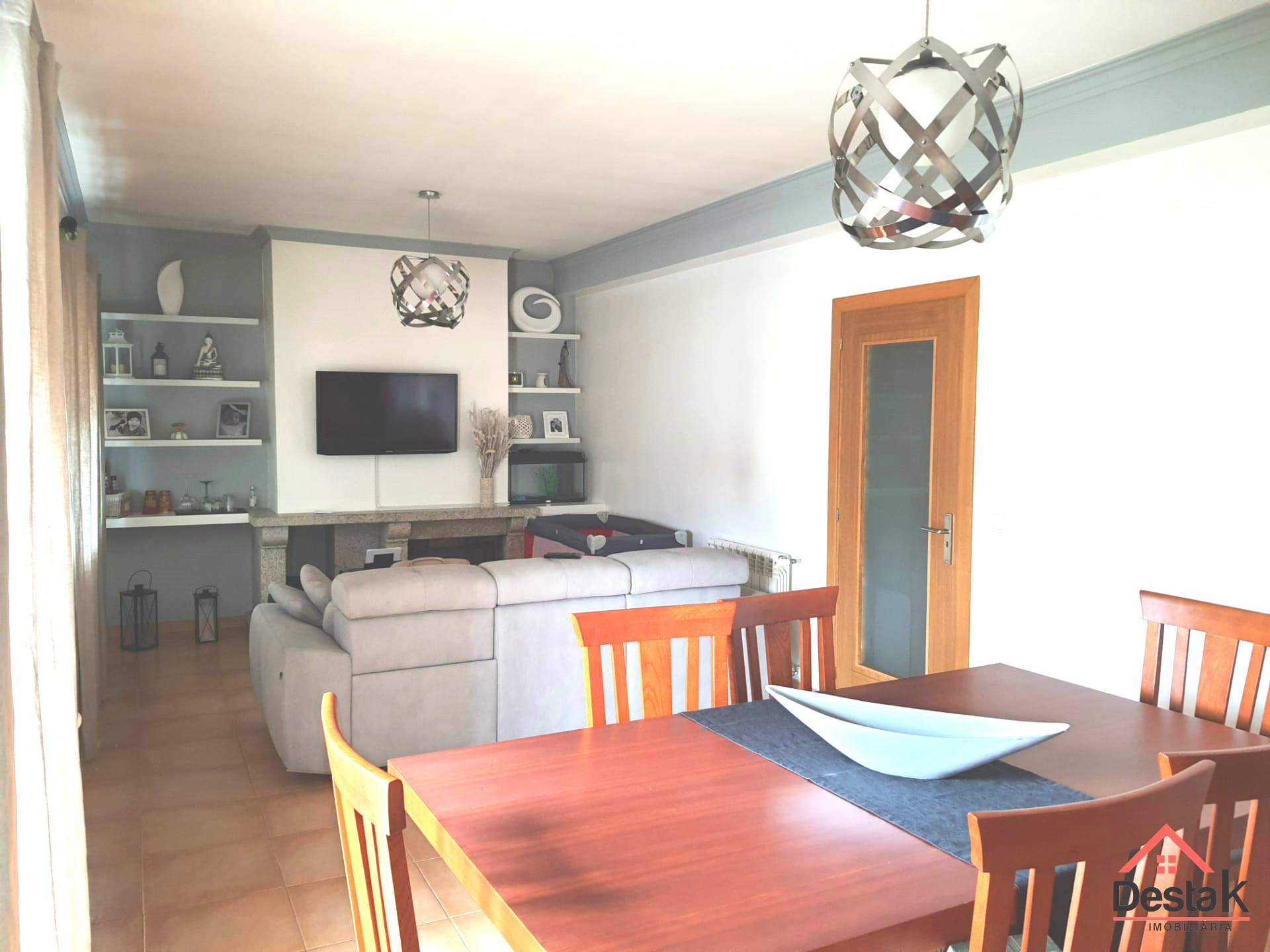 3 bedroom apartment in excellent condition.