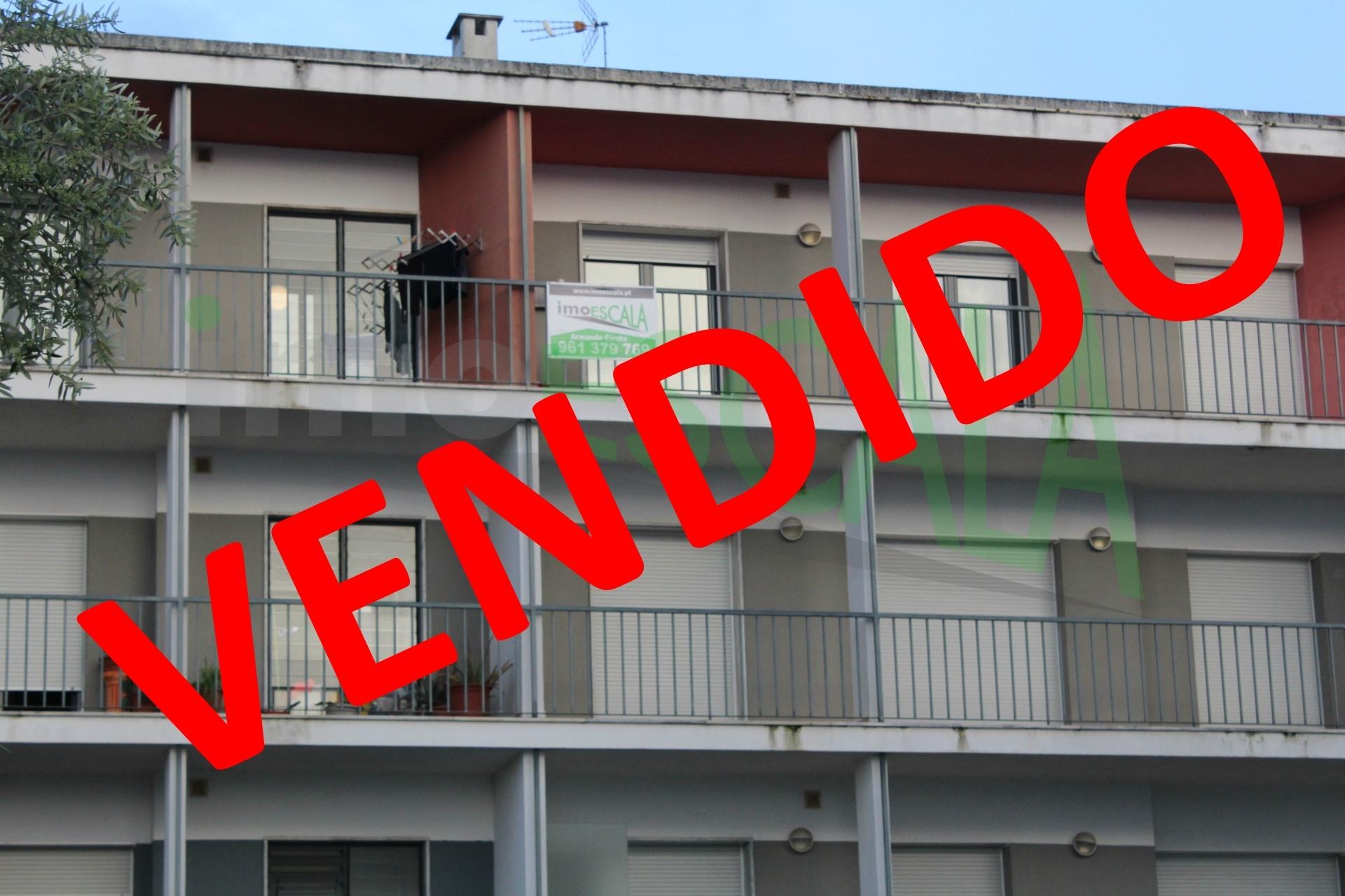 Apartamento T2 com Terraço Privativo