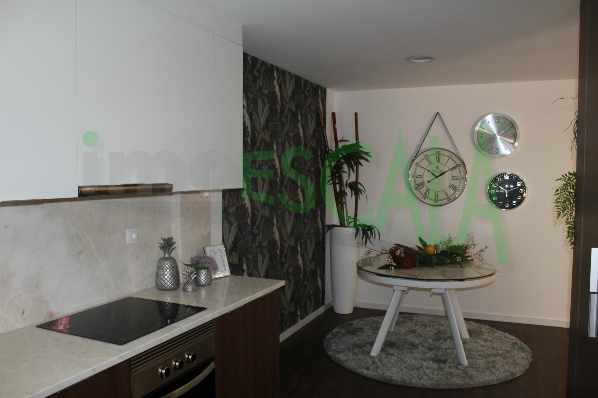 Apartamento T3 Luxo com Parqueamento