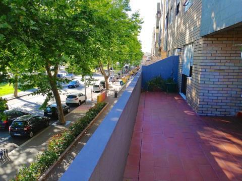 Apartamento T3  com terraço junto ao metro