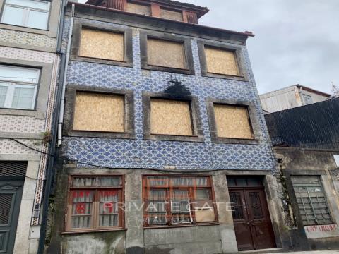 Prédio na Baixa do Porto