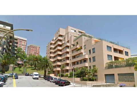 Apartamento T2 Foz do Douro, Excelente localização, Boas áreas. Garagem e Arrumos