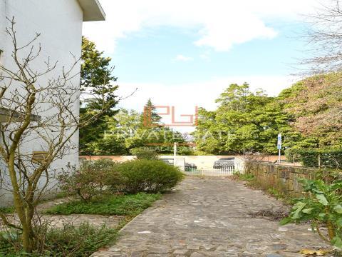 Moradia próxima de Cristo Rei, Serralves, Parque da Cidade e Colégio Nossa Sra. do Rosário