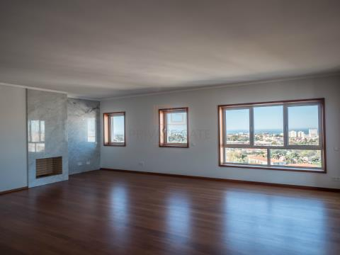 T4 Duplex NOVO com localização e áreas excelentes