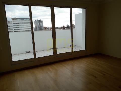 Apartamento T3 Duplex Pinheiro Manso, Porto