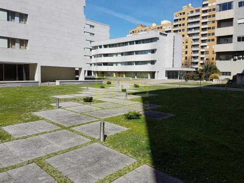 Apartamento T2 Boavista na Rua da Venezuela, Porto