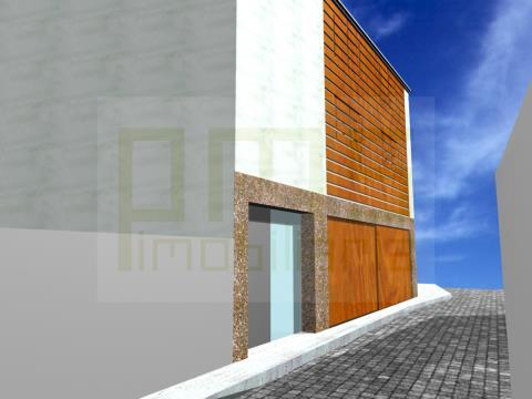 Moradia Foz Velha, nova, pronta a habitar, com 328 m2 de área coberta