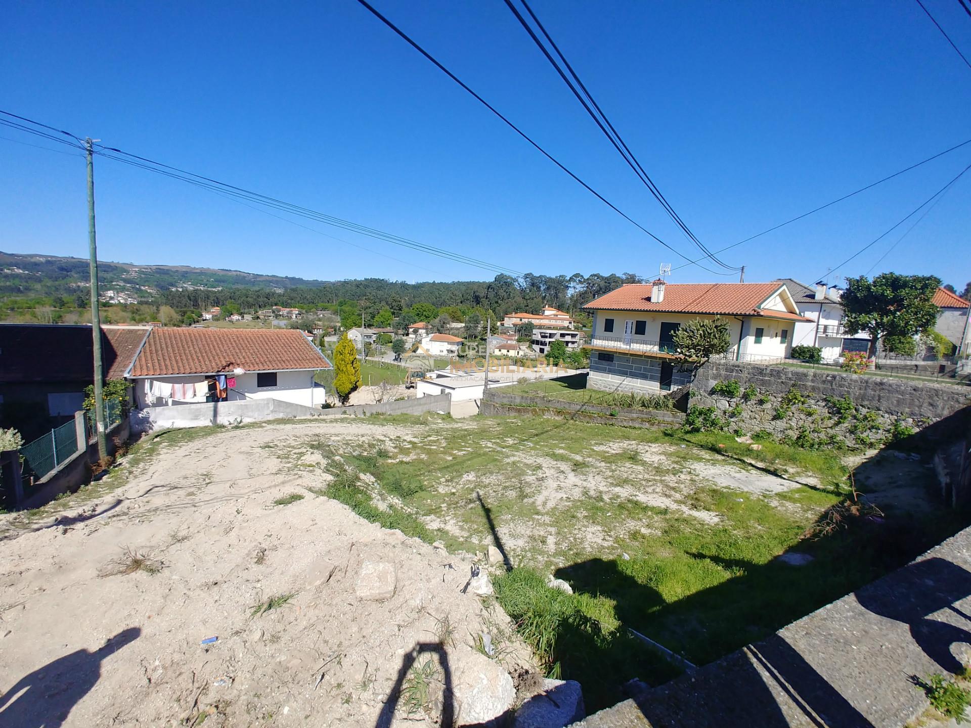 Terreno para construção perto da Quinta das Lamas