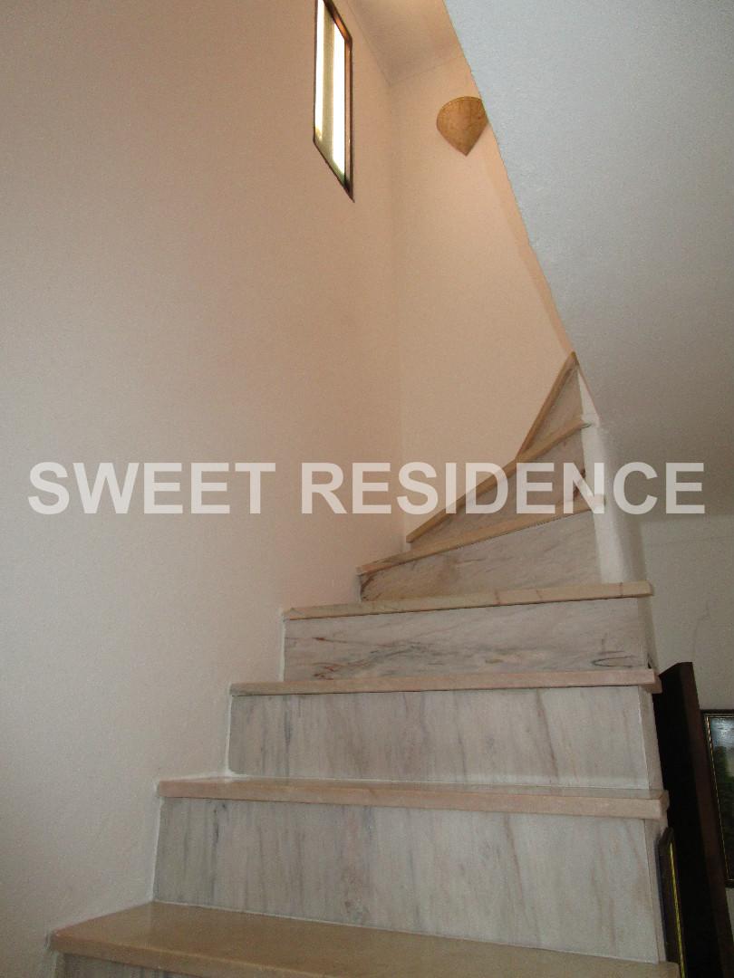 Las escaleras de acceso