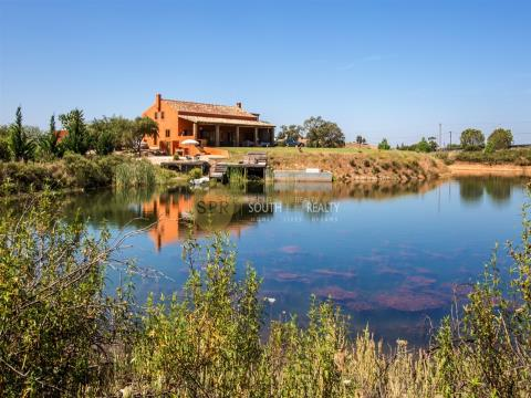 ALGARVE PORTIMÂO 4 BEDROOM LAKE HOUSE FOR SALE