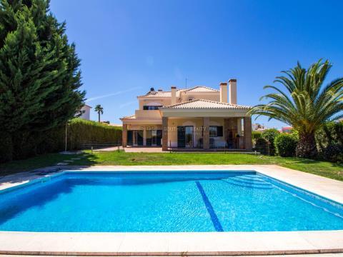 Magnific 6 bedroom villa