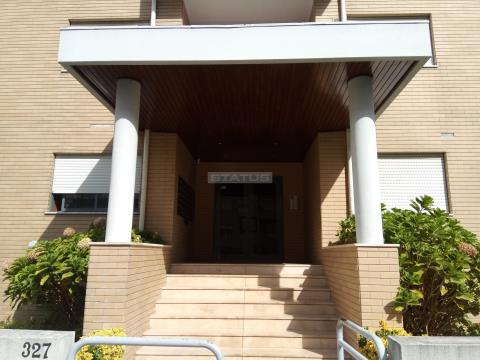 Apartamento T1+1 no Último Piso c/ Lugar de garagem Altos Cidade da Maia