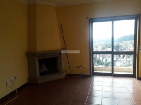 Apartamento T2 com Varanda em Vilela