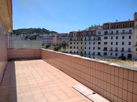 Apartamento T1 Último piso com Terraço e Garagem