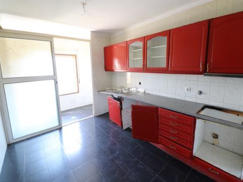 Apartamento T2 C/ Lugar de Garagem em Gulpilhares
