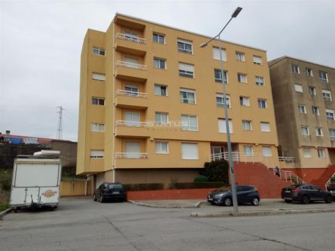 Apartamento T2 com ótimas áreas em Valongo