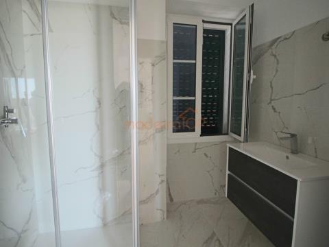 Fantástico apartamento T2 em Santa Maria Maior