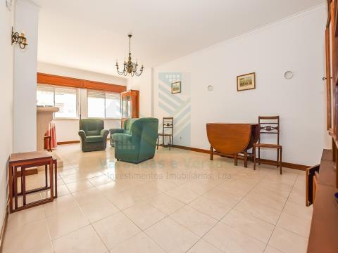 Apartamento T3 em Benfica