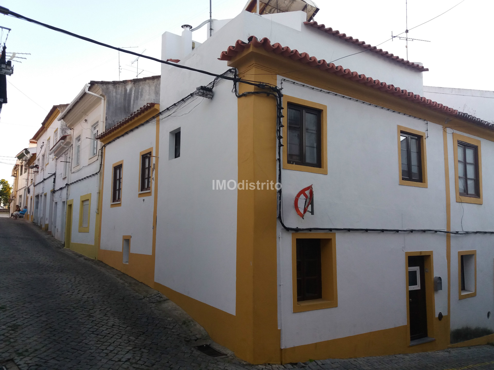 House T1