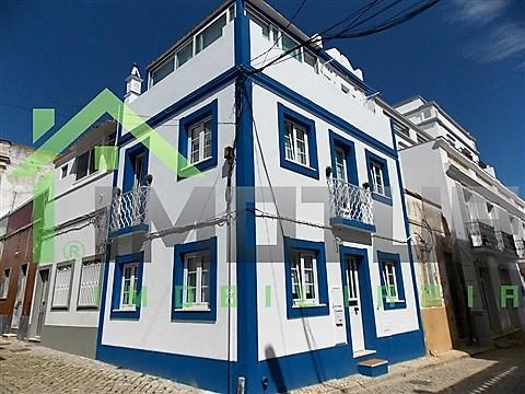 Vila to rent in downtown Olhão