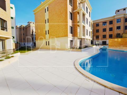 1 bedroom apartment with pool.
