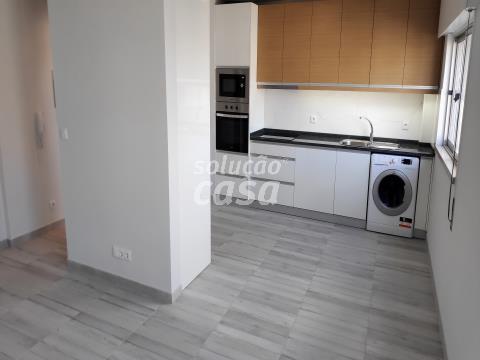 Apartamento T1 remodelado em Vilar de Andorinho