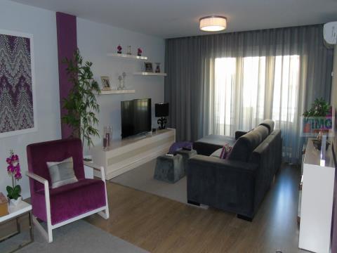 T4 Granja Park com 2 suites