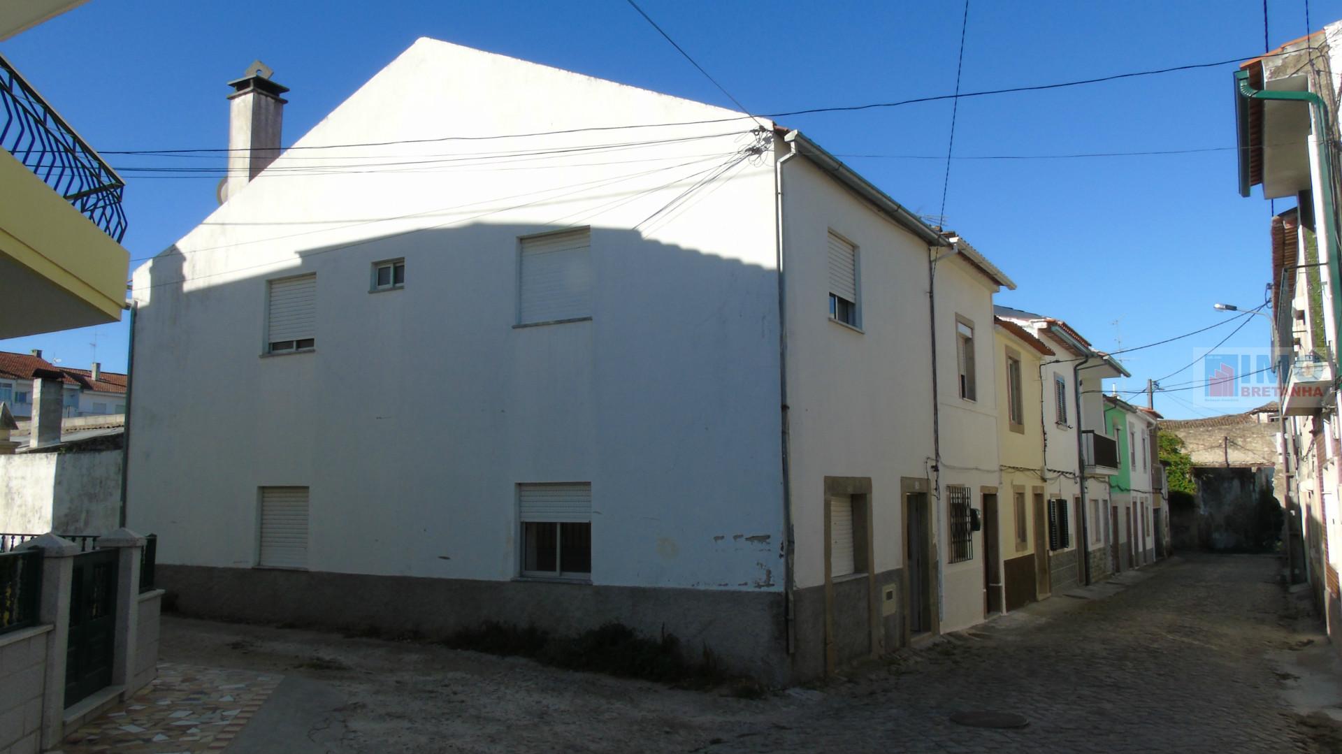 Moradia T2 Alcains C/ Terraço