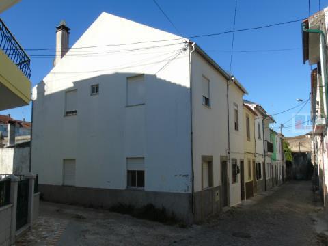 Moradia T2 Com terraço
