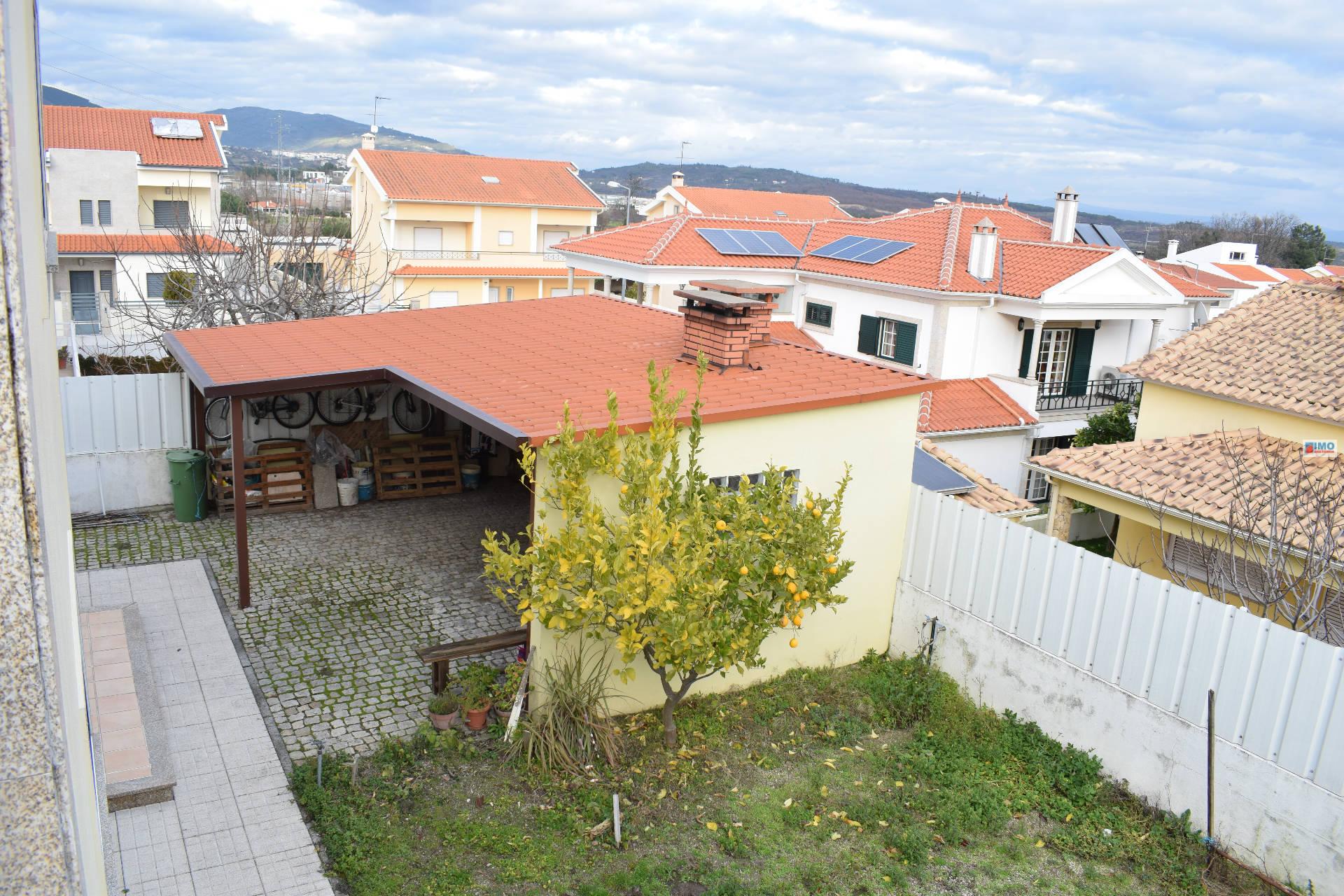 Moradia V4 Isolada  - Urbanização dentro da Covilhã