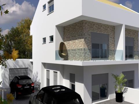 Moradia V3 - Nova - Quinta do Conde