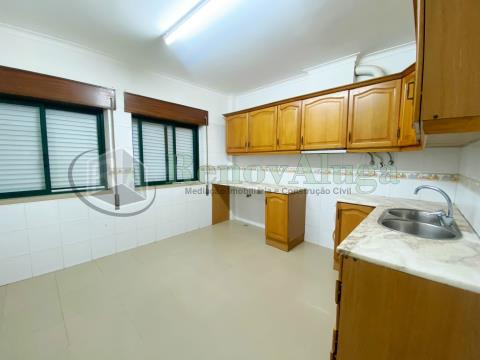 Apartamento T3 Vila Nogueira de Azeitão