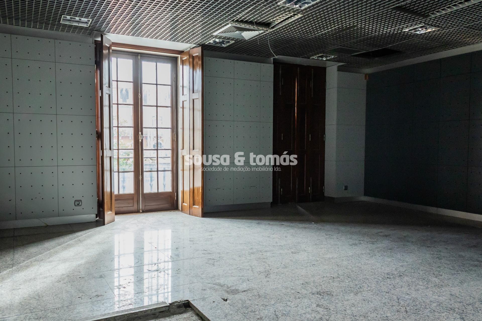 Bureau 5 Chambre(s)