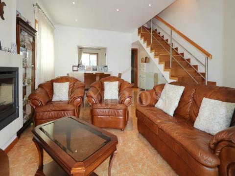Villa de plain-pied V3 à Mariadeira à vendre