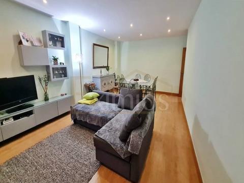 Appartement de 2 chambres à Mariadeira à vendre