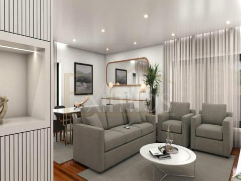 Apartamento T3 totalmente remodelado em Aver-o-Mar para venda