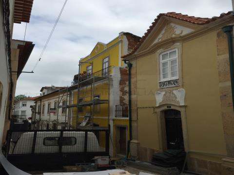 SACADURA CABRAL RESIDENCE  - For Sale - Tomar - Historical Center - Uni-family housing project