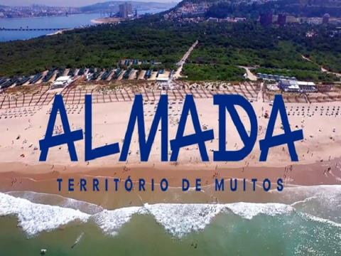 TO RENT: Splendid & Extraordinary 3 Bedroom Flat - First floor with 2 lifts - Almada Cuty Center