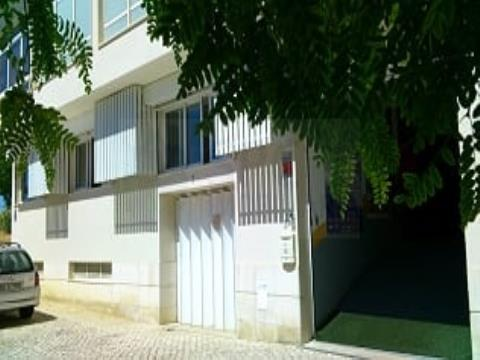 TO RENT - Office and Annexes - Bright & Excellent - 190 sqm/m2 - Fully furnished - ALMADA