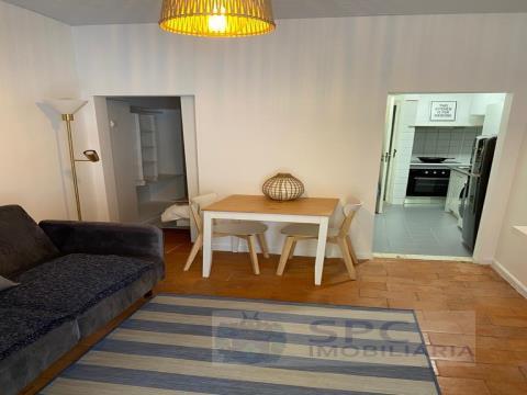 Appartement renové  - unechambre à Calçada Castelo Picão - Madragoa. Estrela.